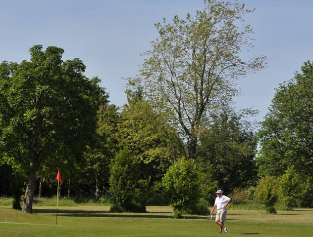 The Bells golf tee